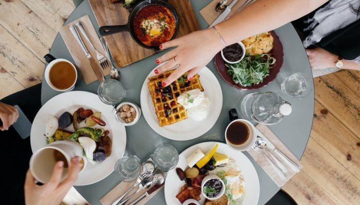 VELKÝ PRŮZKUM: Jak snídají Češi?