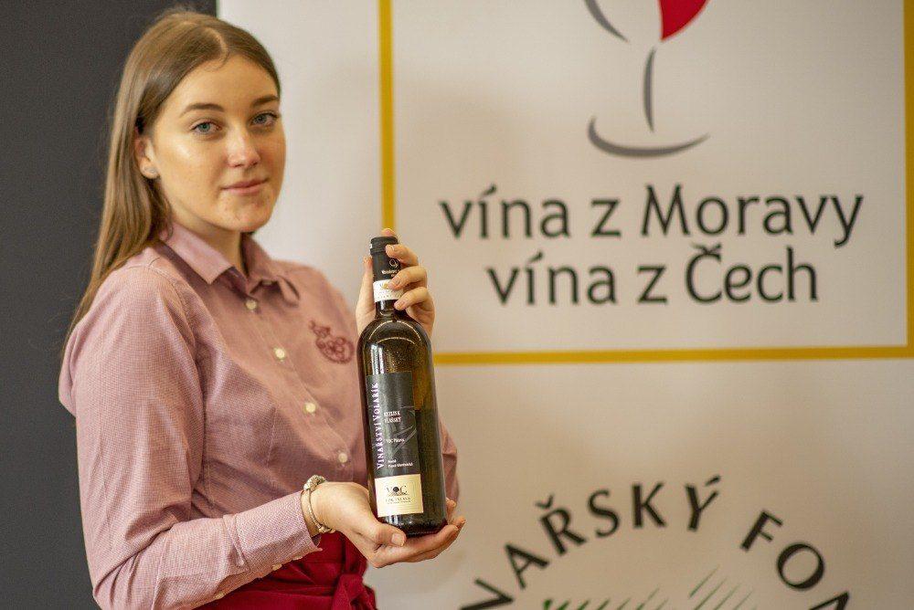 Valtické vinné trhy představují své šampiony. Kdo se stal letos mistrem červených, bílých či zahraničních vín?