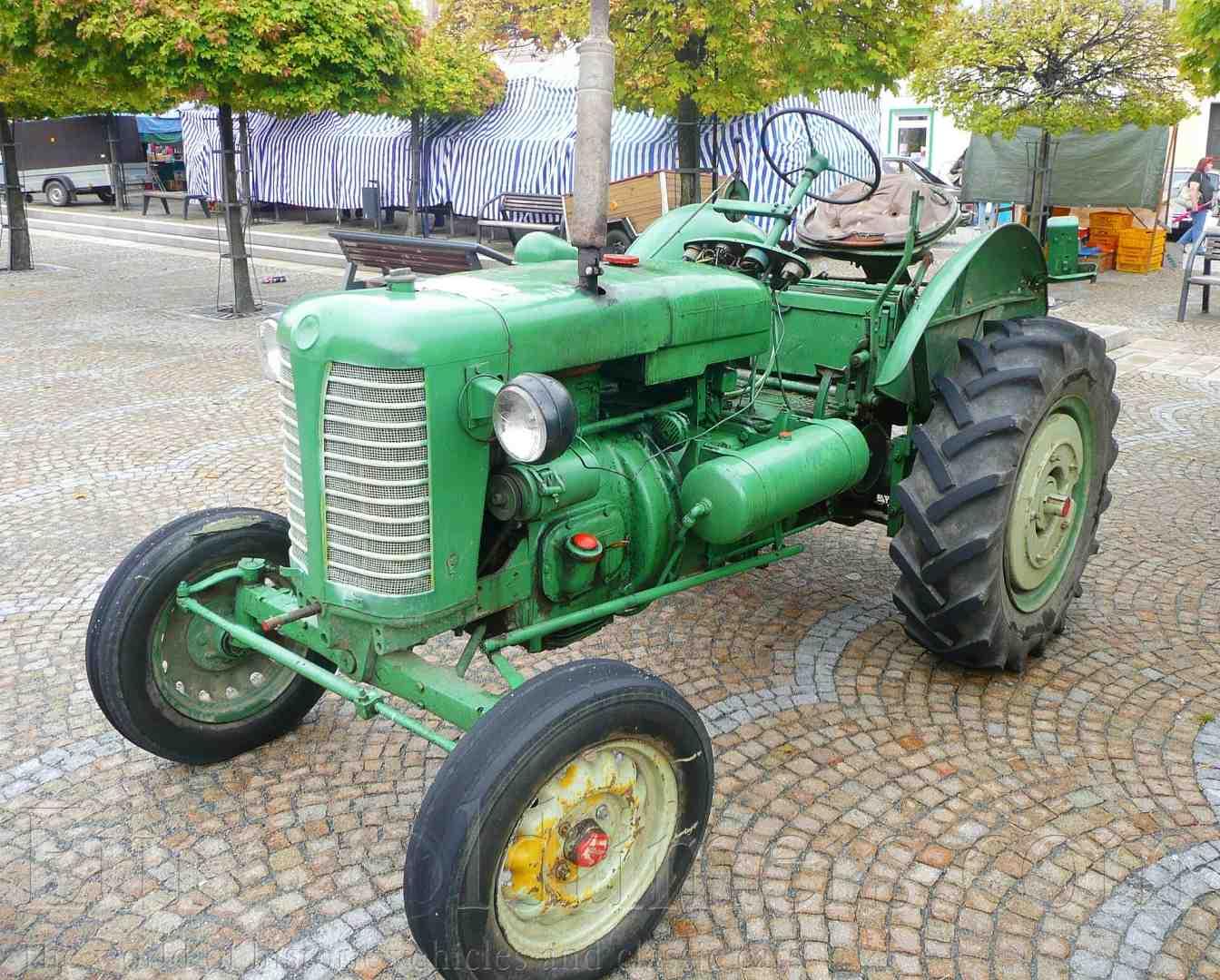 Traktor ZETOR 25